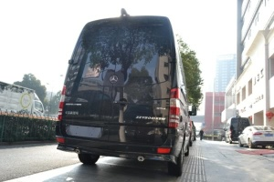 商务车 外观-黑色