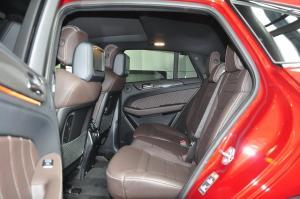 进口奔驰GLE级AMG运动SUV 后排空间