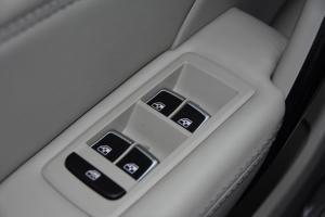 众泰Z700               车窗升降键