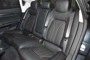 Quattroporte后排座椅