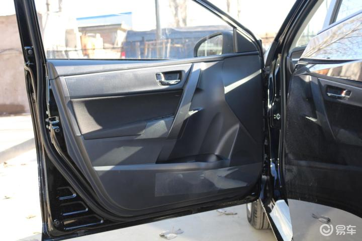 丰田雷凌驾驶员侧车门内门板