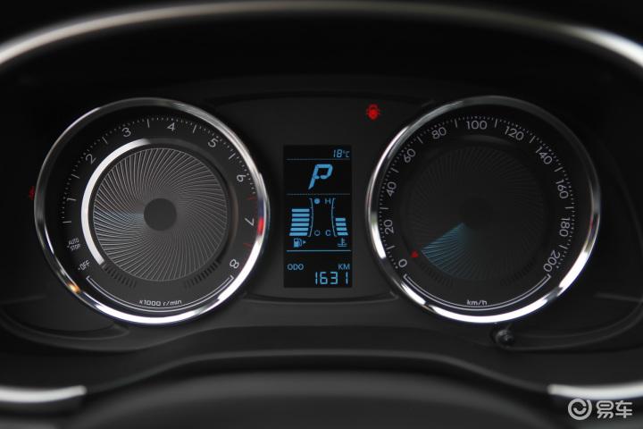 雪佛兰乐风RV仪表 新款乐风RV仪表 上汽通用雪佛兰乐风RV内饰图片 高清图片