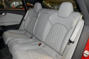 奥迪S7后排座椅图片