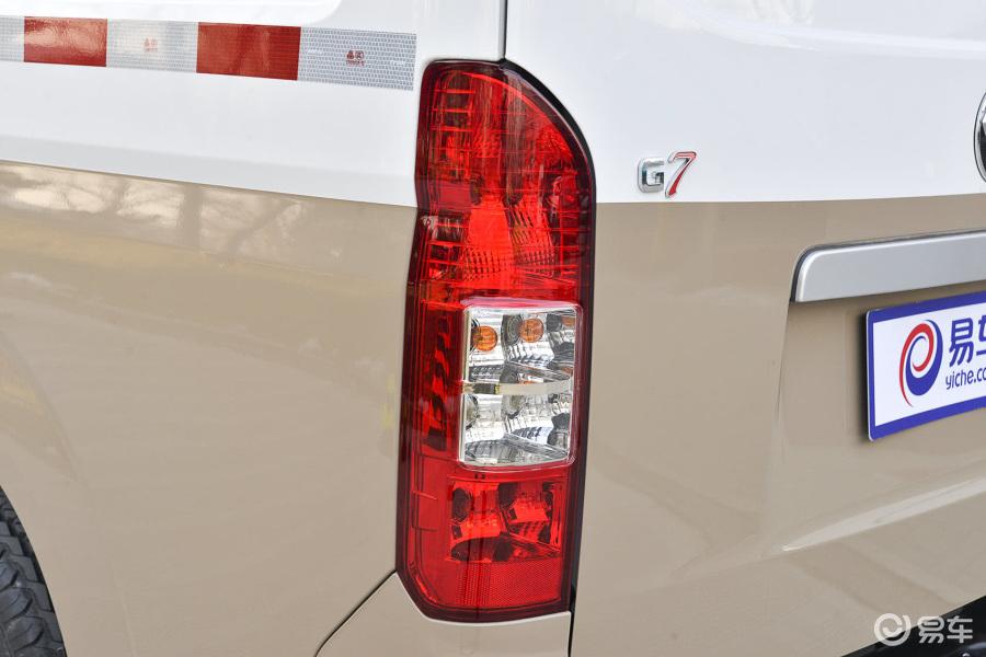【新风景g72015款2.0l商运版长轴高顶4q20m尾灯汽车