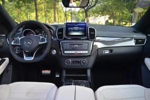 进口奔驰GLE级AMG运动SUV 完整内饰(中间位置)