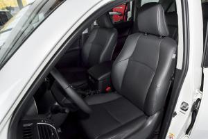 普拉多驾驶员座椅图片