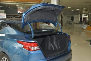 蓝鸟行李厢开口范围
