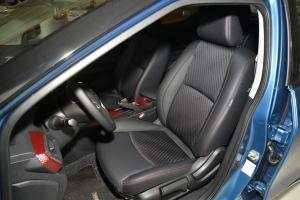 蓝鸟驾驶员座椅
