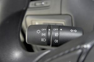 马自达CX-5 大灯远近光调节柄