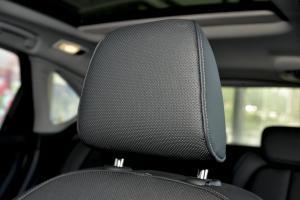 进口宝马2系运动旅行车 驾驶员头枕