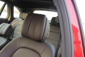 奔驰GLC级驾驶员头枕图片