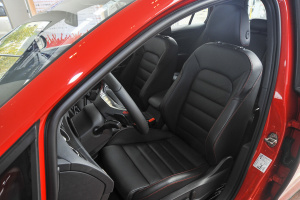 高尔夫GTI 驾驶员座椅