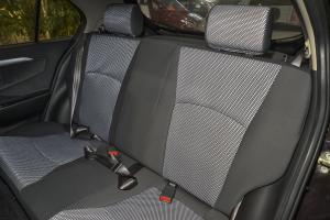 夏利N7后排座椅图片