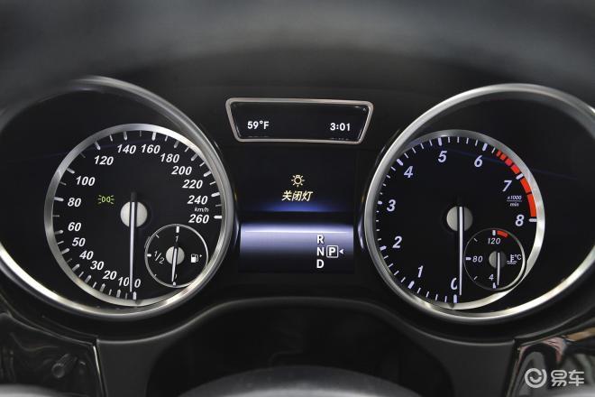 奔驰GL级奔驰GL级仪表盘背光显示