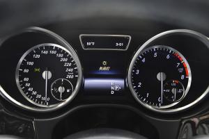 进口奔驰GL级 仪表盘背光显示