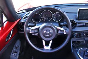 进口马自达MX-5          方向盘