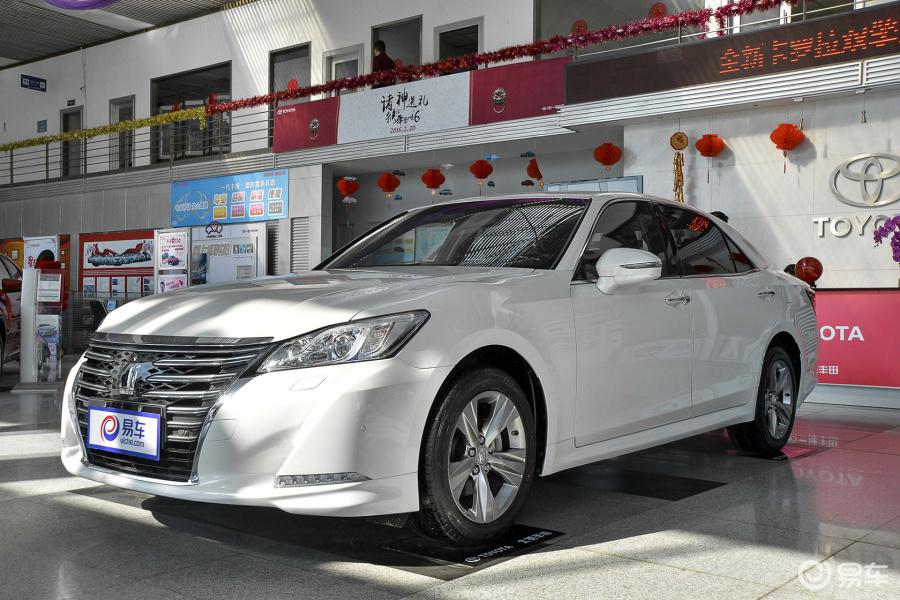 2016款丰田皇冠现车优惠10万北京最低价抢购高清图片