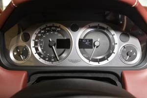 阿斯顿·马丁DB9仪表盘图片