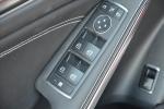 奔驰GLA级               车窗升降键
