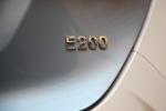 众泰E200               尾标