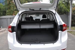 陆风X5                 行李箱空间