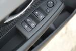 宝马2系旅行车              车窗升降键