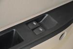 V77                  车窗升降键