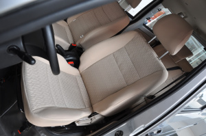 一汽V75 驾驶员座椅