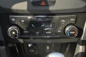 X55中控台空调控制键