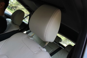 马自达CX-4驾驶员头枕图片