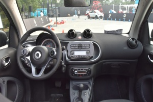 smart fortwo 内饰