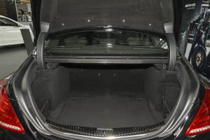 AMG S级行李箱空间