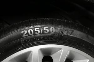 帝豪EV轮胎规格