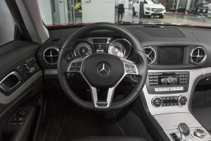 奔驰SL级完整内饰(驾驶员位置)图片