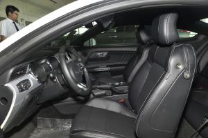 福特Mustang空间