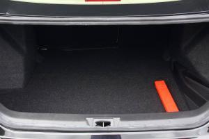 众泰Z360 行李箱空间