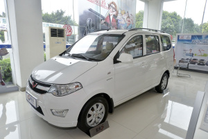 五菱宏光S 2014款 1.2L 手动 舒适型LMU
