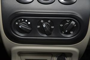 全球鹰K10D中控台空调控制键图片