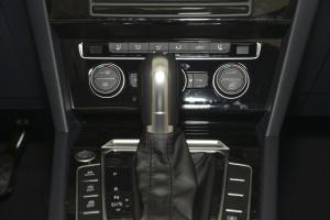 迈腾中控台空调控制键