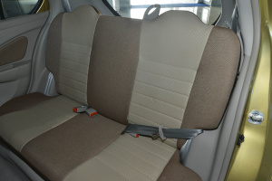 启辰R30后排座椅图片