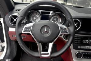奔驰SL级方向盘图片
