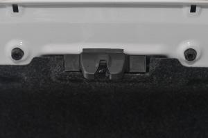 Z3002016款 1.5L 手动 尊贵型  外观萨丁白 内饰黑色