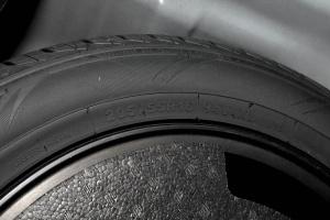 Z300备胎规格