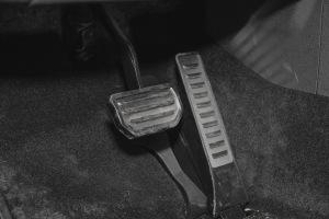 帝豪GS脚踏板