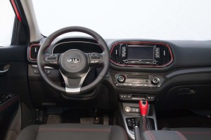 起亚KX3完整内饰(驾驶员位置)图片