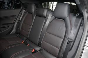 AMG GLA级后排座椅图片
