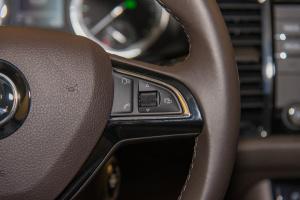 柯迪亚克方向盘功能键(右)