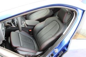 宝马1系驾驶员座椅图片