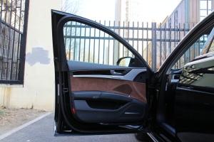 A8L驾驶员侧车门内门板