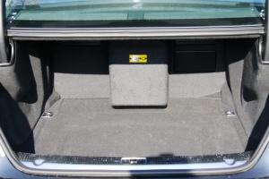 A8L行李箱空间